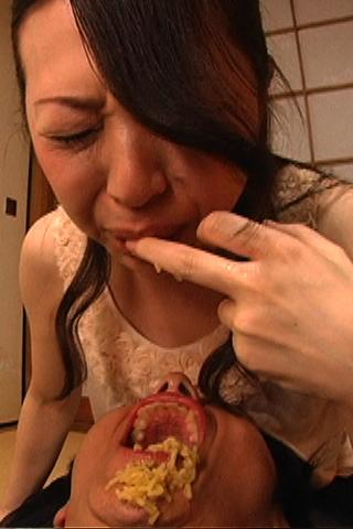 閲覧注意!胃液キス【ゲロ手まん】で大量潮吹き