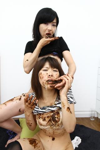 うんこ食べ合い親子