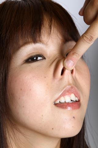 鼻観察・鼻いじめ