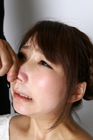 桂希ゆにチャンの鼻を辱めて観察する